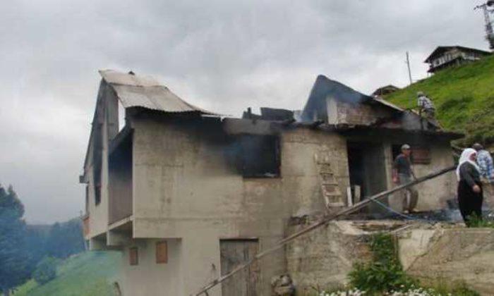 Kama Yaylasında Bir Ev Yandı