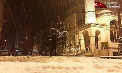 Çaykara ve Dernekpazarı'nda  Kar Yağışı Başladı