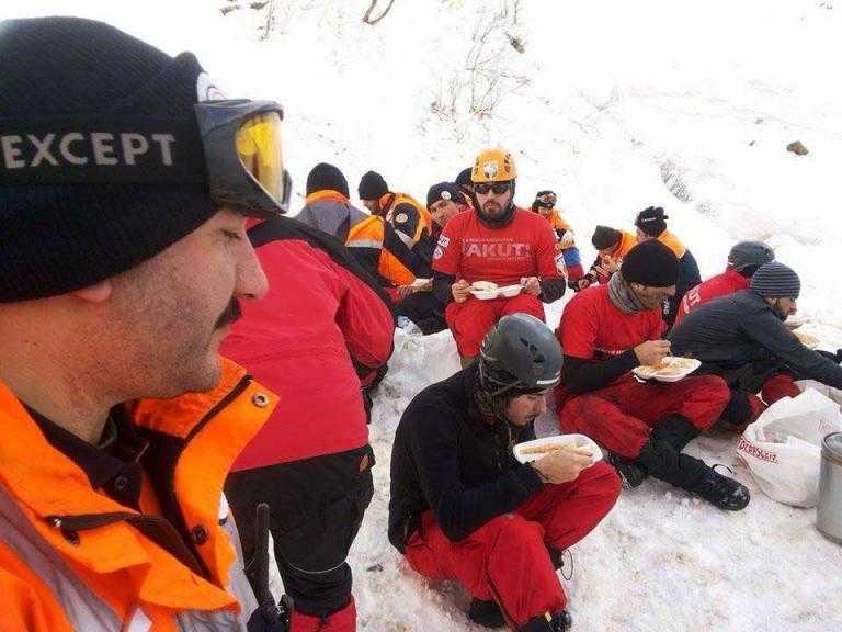 Çaykara'daki Çığ'da Ekiplerin Kurtarma Görüntüleri 12