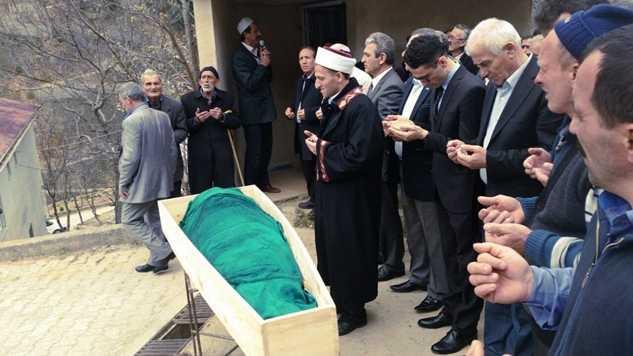 Karaçam'da Ayşe Bayram toprağa verildi 3