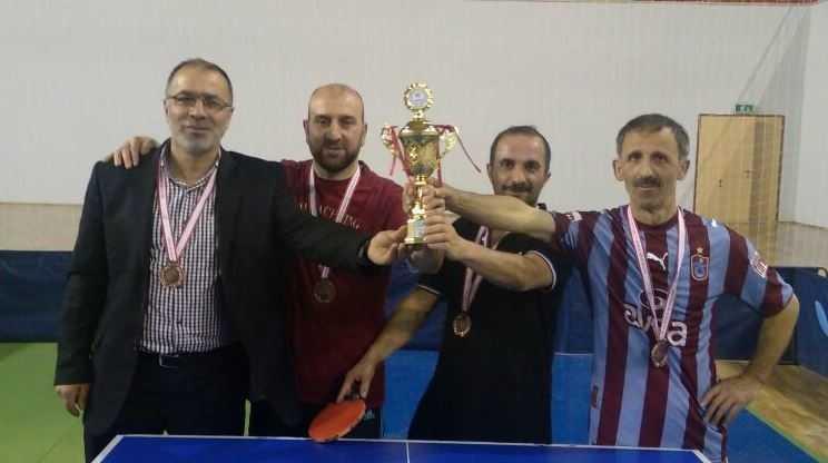 Masa Tenisinde Çaykara Müftülüğü il 3.sü Anadolu Lisesi 4. oldu