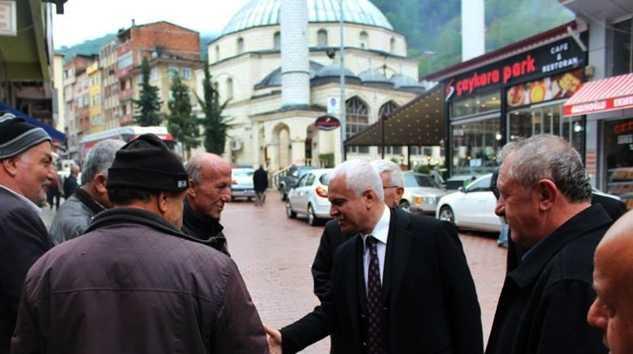 MHP adayı Koray Aydın seçim çalışması için Çaykara'daydı