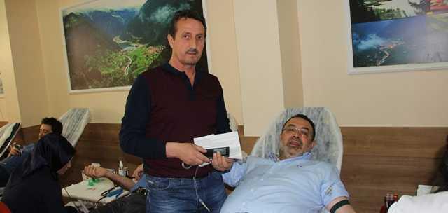 Pendik Uzungöl Derneği'nden örnek kan bağışı kampanyası 5