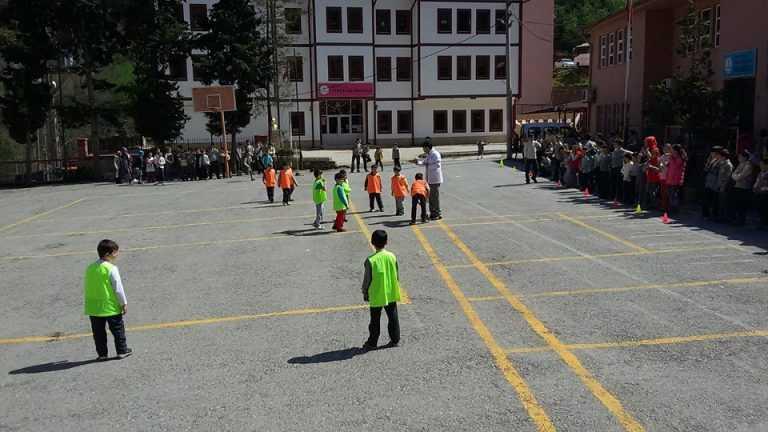 Zeki Bilge İlkokulu 23 Nisan Futbol Turnuvası başladı 15