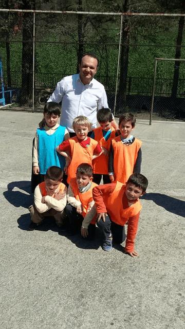 Zeki Bilge İlkokulu sınıflar Arası 23 Nisan futbol turnuvası sona erdi 4