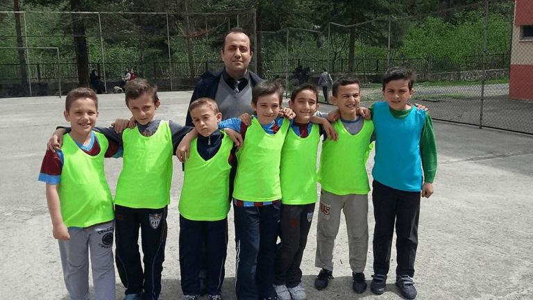 Zeki Bilge İlkokulu sınıflar Arası 23 Nisan futbol turnuvası sona erdi 9