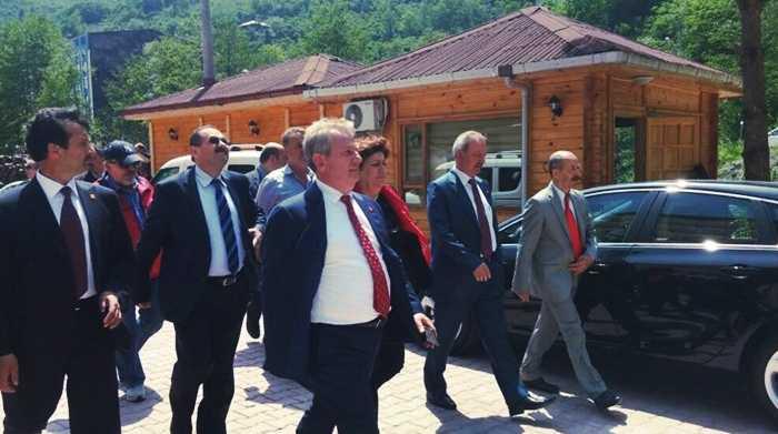 CHP Adayı Pekşen Çaykara'da Hükümete yüklendi 5