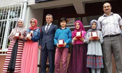 Başkandan Başarılı Öğrencilere Ödül.