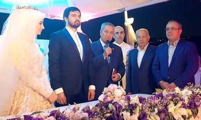 Mehmet Okuyan'ın oğlu Ahmet Selim evlendi