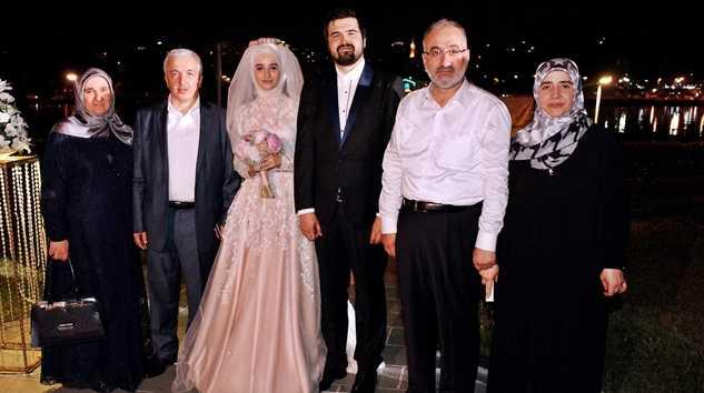 okuyan-düğün-aile