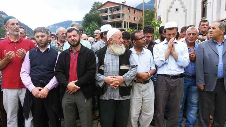Mehmet Albayrak dualarla toprağa verildi 7