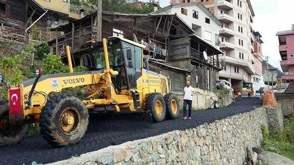 Taşlıgedik asfaltla buluşuyor