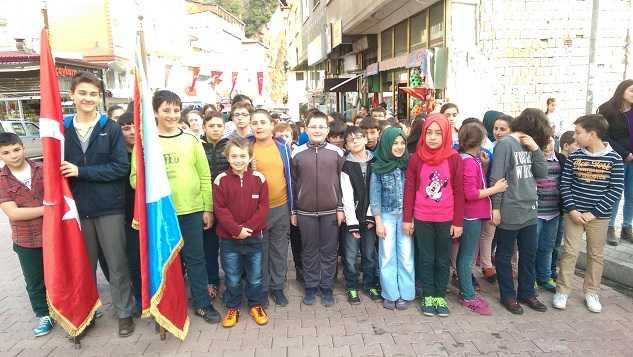 Çaykara'nın düşman işgalinden kurtuluşunun 98. yıldönümü törenlerle kutlandı 8