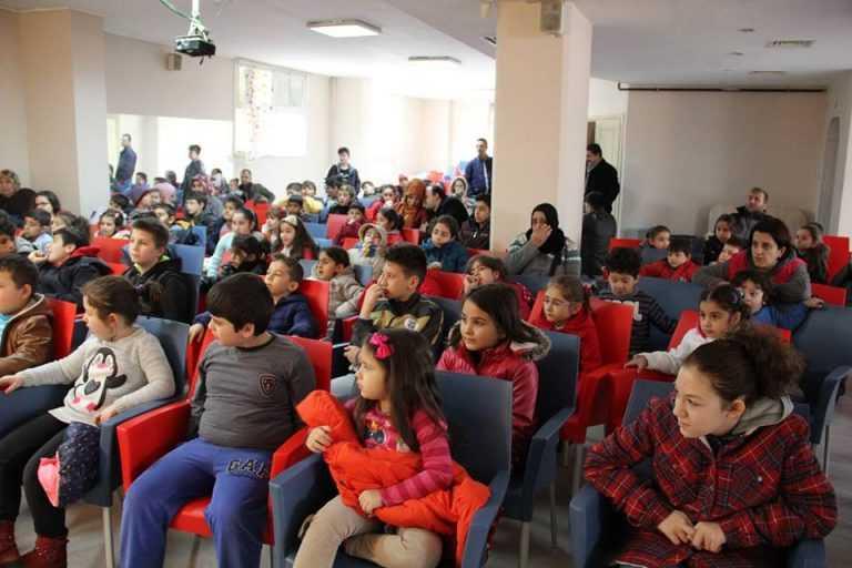 Çaykara Derneğinden Çocuklara ücretsiz tiyatro 1