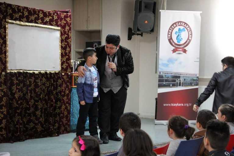 Çaykara Derneğinden Çocuklara ücretsiz tiyatro 3