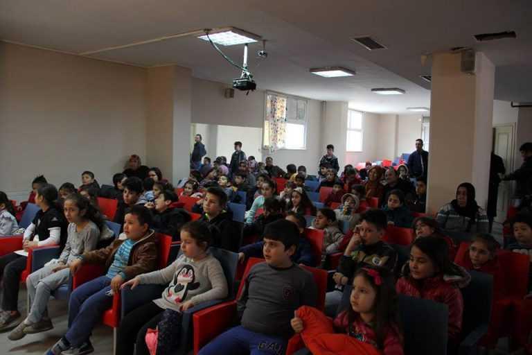 Çaykara Derneğinden Çocuklara ücretsiz tiyatro 5
