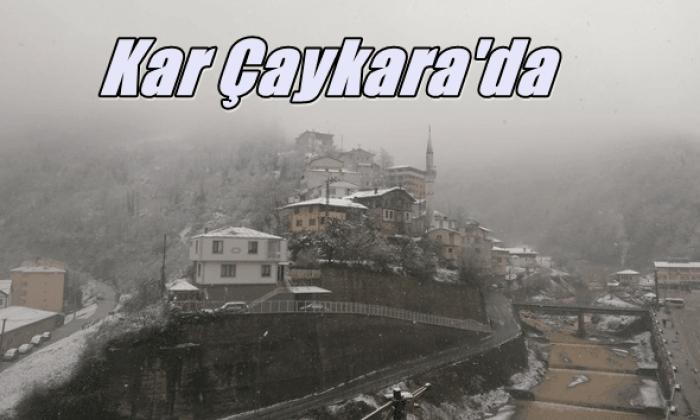 Baharı beklerken kar Çaykara'ya indi