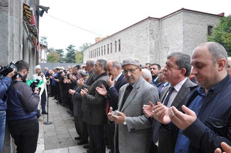 Kent Konseyi Başkanı Ahmet Aslanoğlu toprağa verildi 2