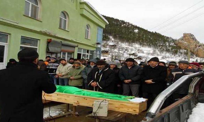 Köknar'da Mehmet Tanrıkulu toprağa verildi