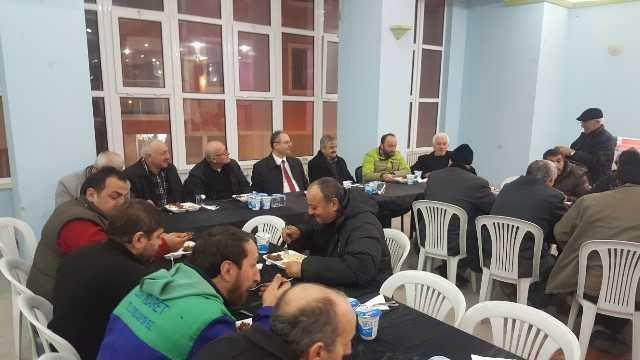Dernekpazarı Belediye Başkanı Aşık esnafla yemekte buluştu 1
