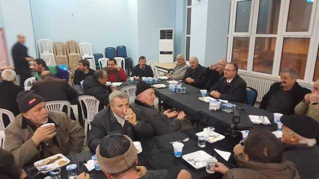 Dernekpazarı Belediye Başkanı Aşık esnafla yemekte buluştu 3