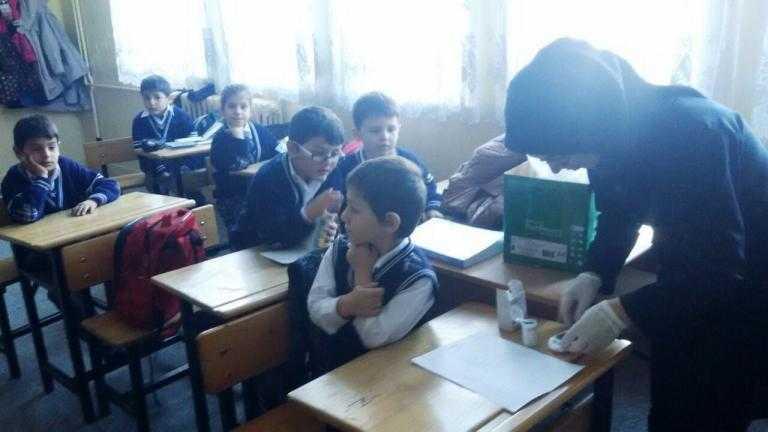 """Zeki Bilge ilkokulunun """"Okul Çağı Çocuklarda Diyabet Tanılama ve Bilgilendirme"""" projesi tamamlandı 2"""
