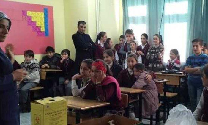"""Zeki Bilge ilkokulunun """"Okul Çağı Çocuklarda Diyabet Tanılama ve Bilgilendirme"""" projesi tamamlandı"""