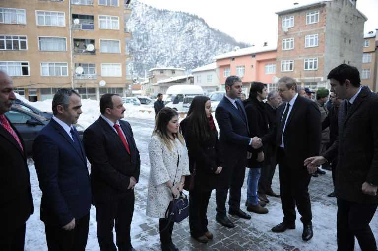 Vali Yücel Yavuz Çaykara'ya geldi 3