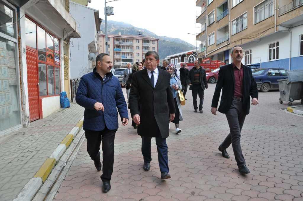 Haydar Revi Çaykara'da yeni Anayasayı anlattı 2