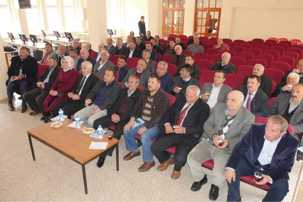 Gümrükçüoğlu Çaykara'da muhtarlarla toplantı yaptı 1