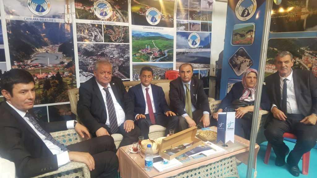 Ankara'da Çaykara standına ilgi büyük 4