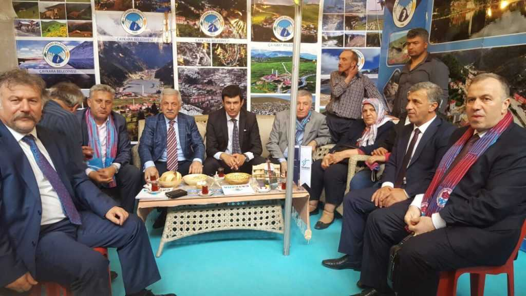 Ankara'da Çaykara standına ilgi büyük 7