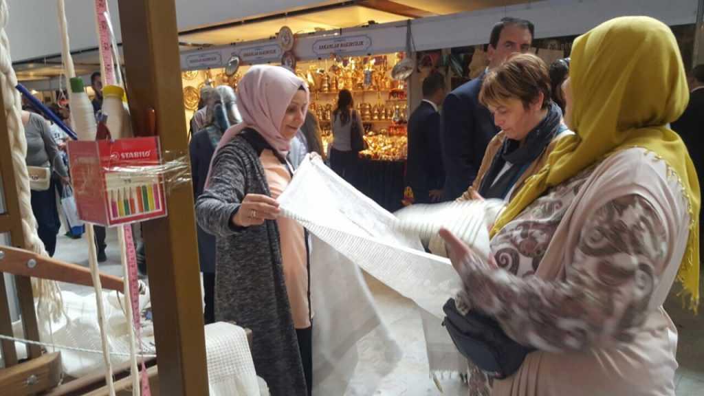 Ankara'da Çaykara standına ilgi büyük 8