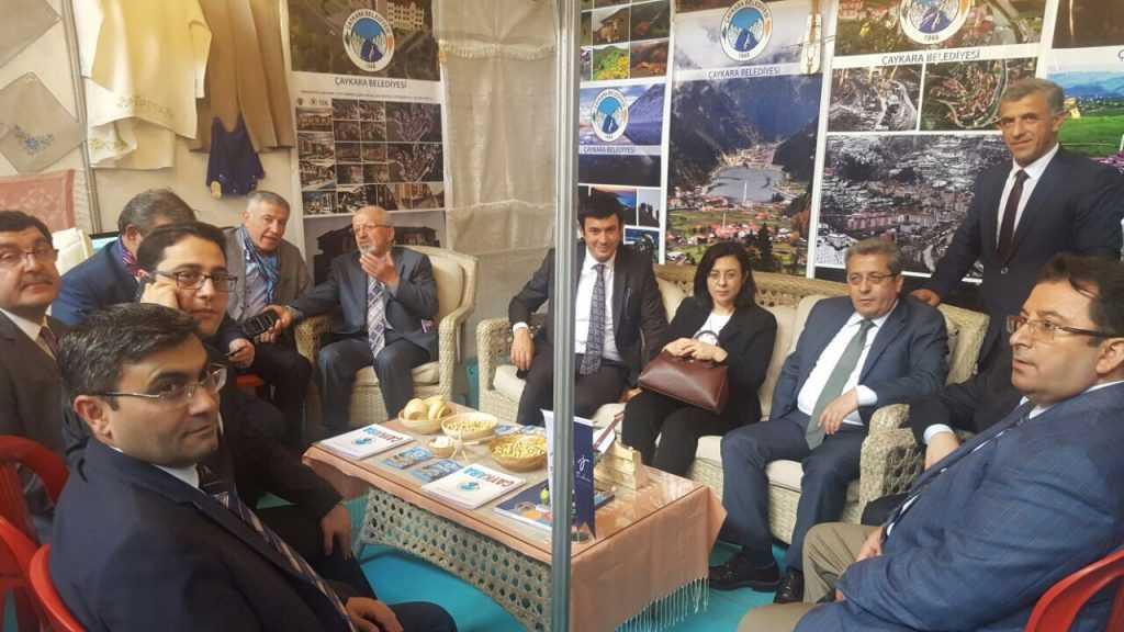 Ankara'da Çaykara standına ilgi büyük 2