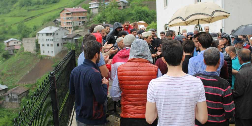 Çamlıbel'de Halil Günlü Toprağa verildi 3