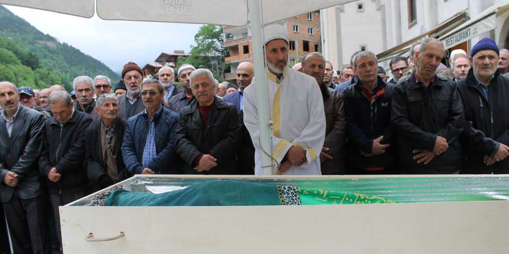 Taşkıran'da Hakime Çelebi Toprağa verildi 2
