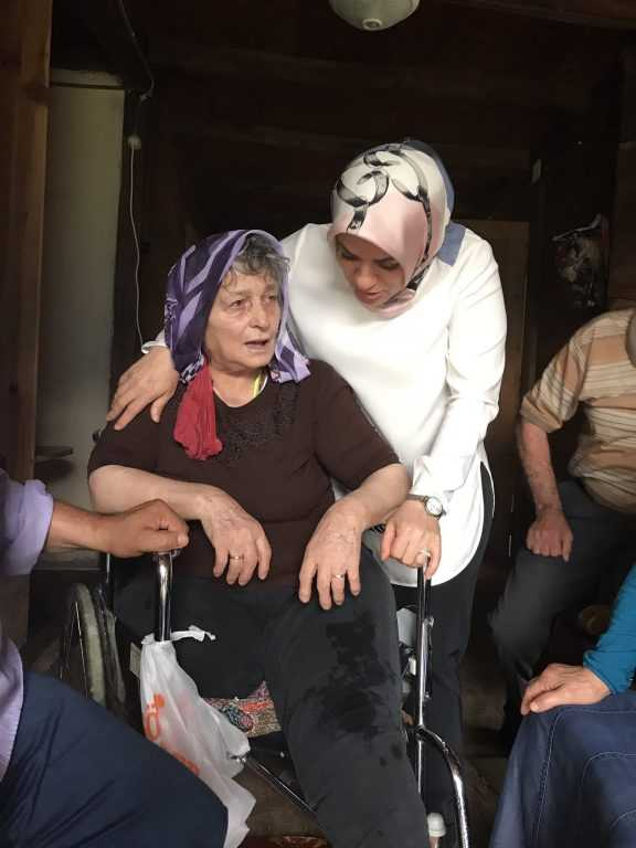 Milletvekili Köseoğlu Çaykara ile bayramlaştı 3