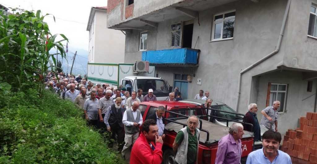 Emekli öğretmen Mehmet Sanisoğlu Holo'da toprağa verildi 5