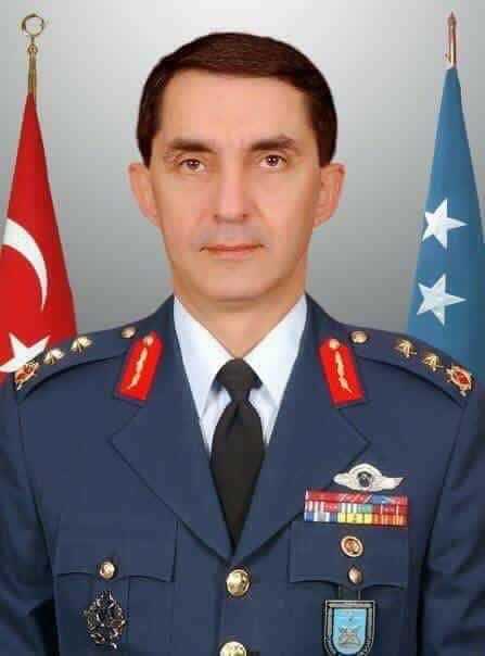 Hava Kuvvetlerine Oflu general 1