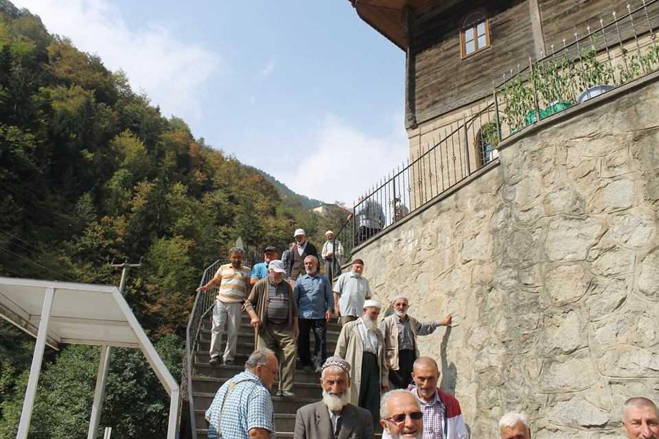 Tarihi Camide 12 Yıl Sonra Bir Cuma 4