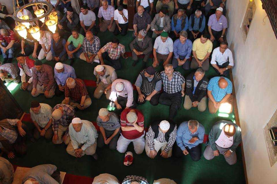 Tarihi Camide 12 Yıl Sonra Bir Cuma 9