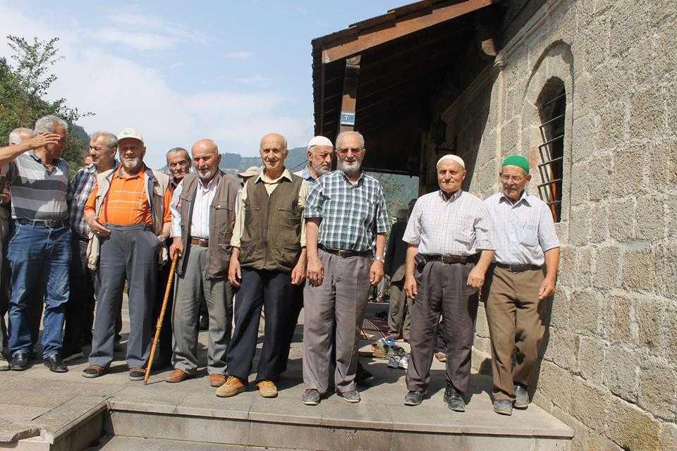 Tarihi Camide 12 Yıl Sonra Bir Cuma 11