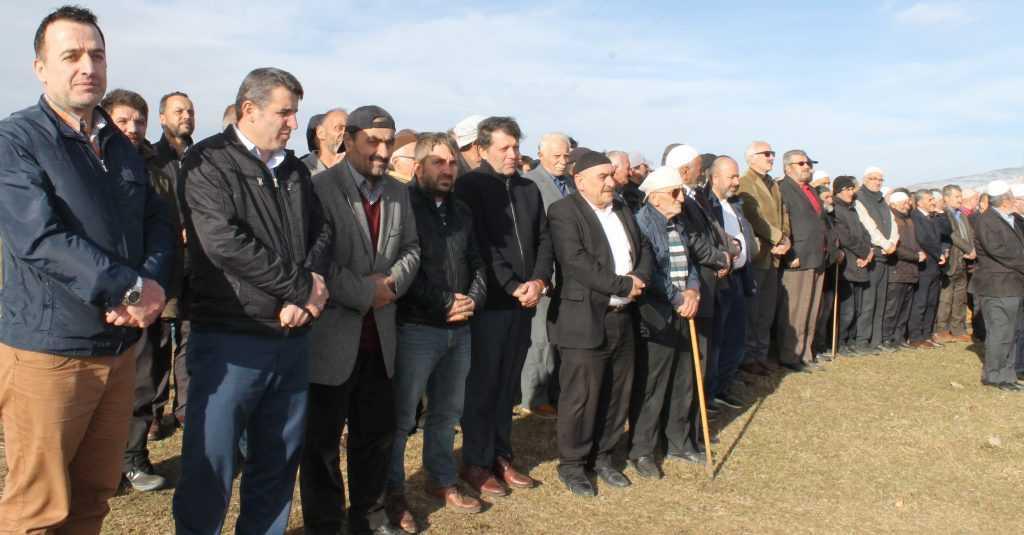 Çayıroba'da Ayşe Biberoğlu Toprağa verildi 16