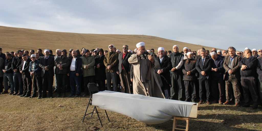 Çayıroba'da Ayşe Biberoğlu Toprağa verildi 2