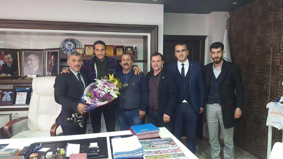Milli futbolcu Yusuf Yazıcı Çaykara'da öğrencilerle buluştu 10