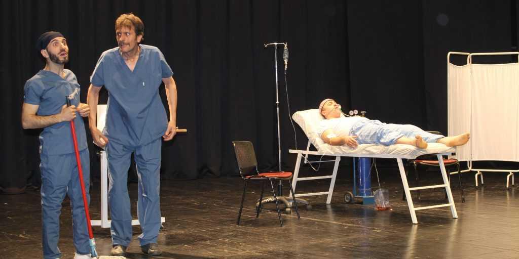 Çaykaralı sanatçının görev aldığı tiyatro sahnelendi 6