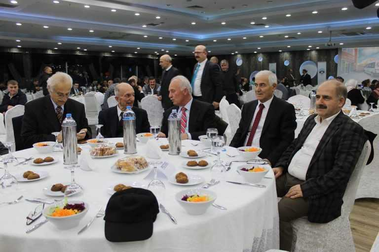 Çaykara-Dernekpazarlılar Mehmetçik'e destek için kucaklaştı 23