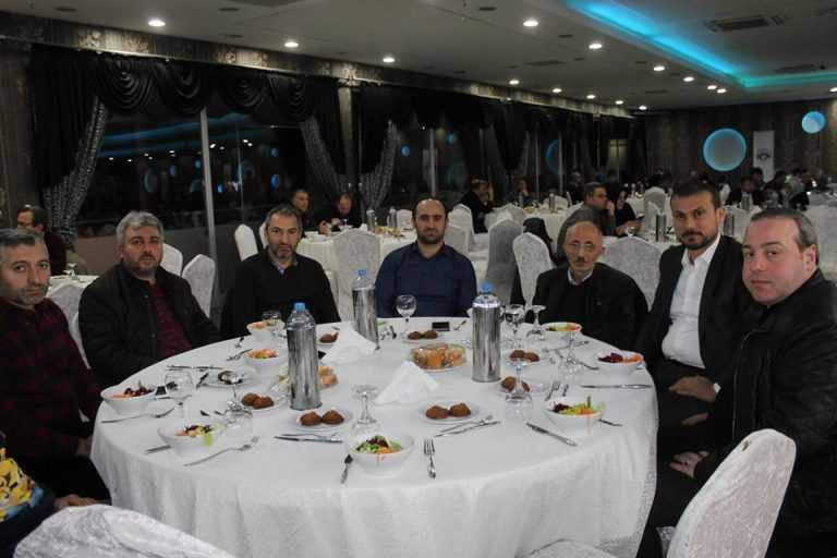 Çaykara-Dernekpazarlılar Mehmetçik'e destek için kucaklaştı 15
