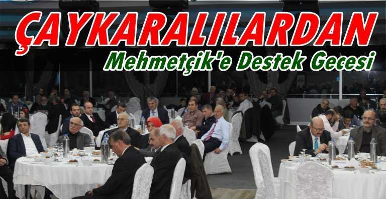 Çaykara-Dernekpazarlılar Mehmetçik'e destek için kucaklaştı