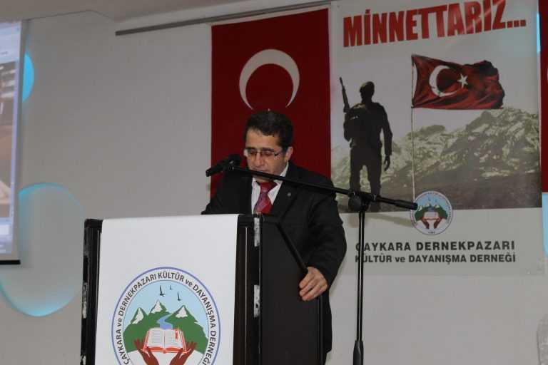 Çaykara-Dernekpazarlılar Mehmetçik'e destek için kucaklaştı 1